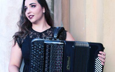 "CIKLUS ""KLASIKA U PARKU"": MARTINA JEMBRIŠAK, harmonika"